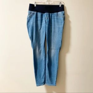 OLD NAVY Low Panel Maternity Light Blue Jeans Crop